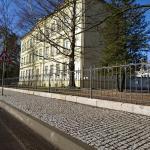 Hejnická škola má nový plot